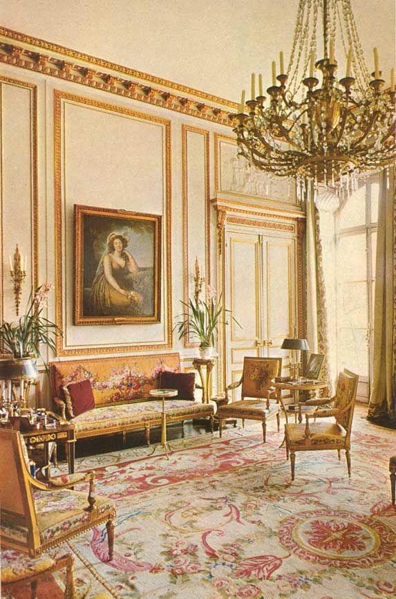 tapis de la Savonnerie. Les chambres de Marie-Antoinette, un salon à l'Hôtel Masserano à Paris.