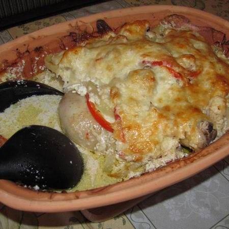 Egy finom Tejfölös csirke római tálban ebédre vagy vacsorára? Tejfölös csirke római tálban Receptek a Mindmegette.hu Recept gyűjteményében!