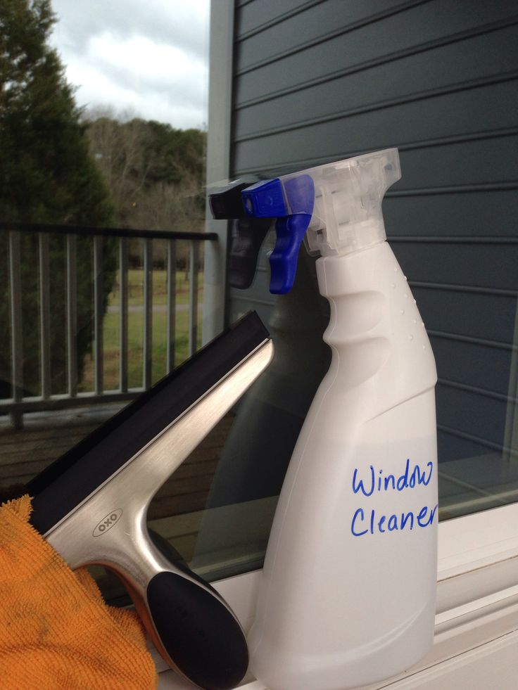 Squeaky Clean Windows Fill A Spray Bottle With 1 Part Vinegar 2 Parts Water And A Squirt Of