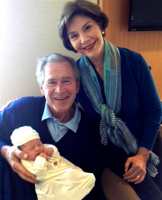 George et sa femme avec leur petite-fille.