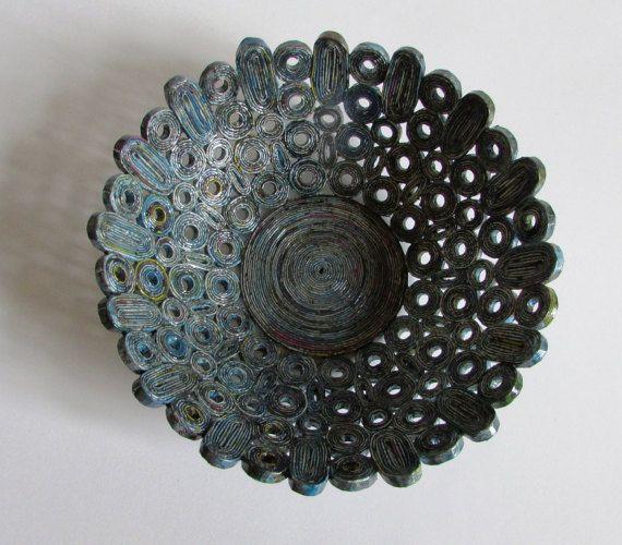Korb Schale altblau handgemacht aus Altpapier von fantasmaniaxx
