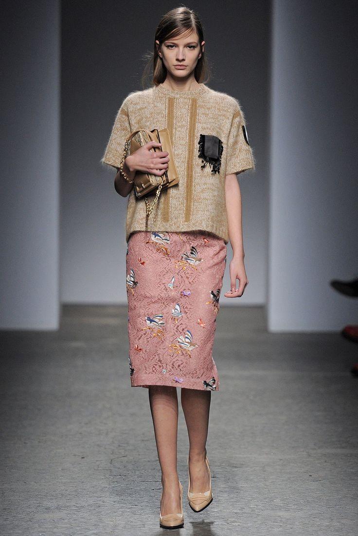 No. 21 Fall 2013 Ready-to-Wear Fashion Show - Roberta Cardenio