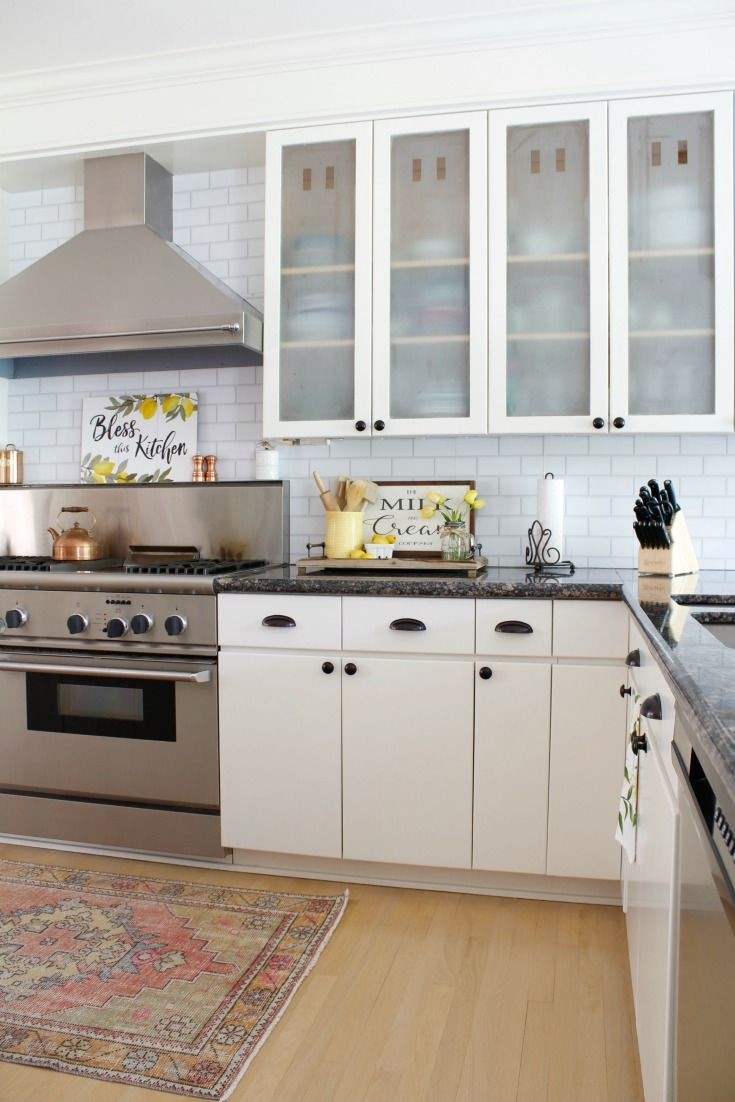Paint Cabinets Just Like A Professional With These Pro Painting Tips Painting You Paint Kitchen Cabinets Like A Pro Kitchen Cabinets Painting Kitchen Cabinets