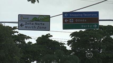 No Recife, Detran reforça sinalização bilíngue para a Arena Pernambuco Placas em português e inglês estão sendo instaladas em pontos do Recife. Medida vista indicar e facilitar o caminho até o estádio das copas. O Departamento Estadual de Trânsito de Pernambuco (Detran-PE) está reforçando a sinalização bilíngue que direciona pernambucanos e turistas até a Arena Pernambuco, localizada às margens da BR-408 em São L 28/05/2013 14h08 - Atualizado em 28/05/2013 14h08 (Leia [+] clicando na imagem)