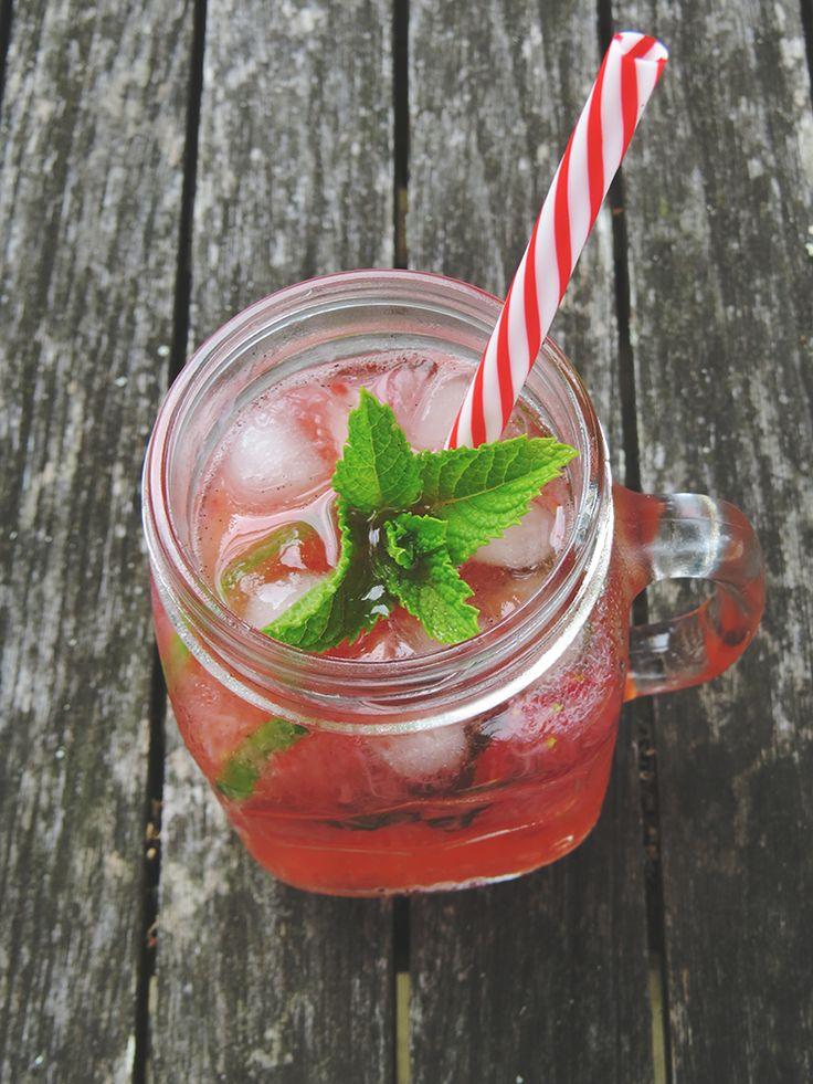 Santa's Soda - A low sugar / carb vodka soda, perfect for those special occasions.   #keto #ketogenic #Rapid
