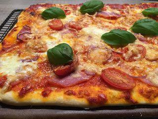 Zauberhafte Leckereien mit Martina Ziehl: Rumfort Pizza auf dem Zauberstein gebacken