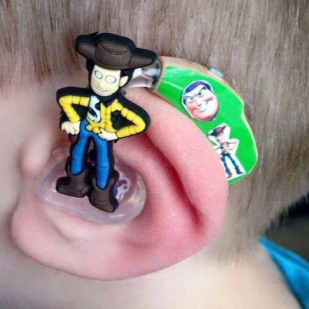 Inspiriert durch ihren schwerhörigen Sohn kreiert sie die tollsten Hörgeräte! - DIY Bastelideen