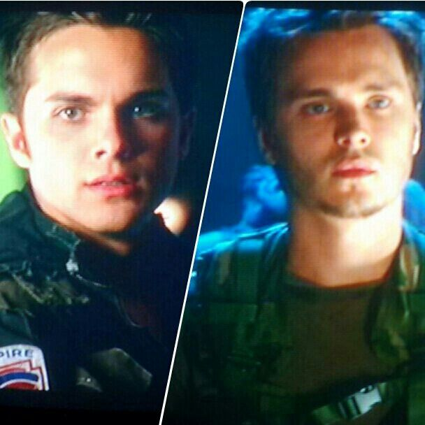 Thomas Dekker and Jonathan Jackson | John Connor and Kyle Reese | Terminator the Sarah Connor Chronicles