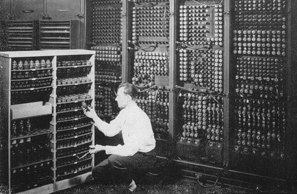 """A few years back, I saw a craigslist ad hiring someone who had experience with """"Magento."""" I applied for the job as Cyclops from the X-Men. They wrote back.Eniac Computers, Computers History, Wars Technology, Retro Computers, Old Computers, Vacuum Tube, Ears Computers, Computers Technician, Computers Geek"""