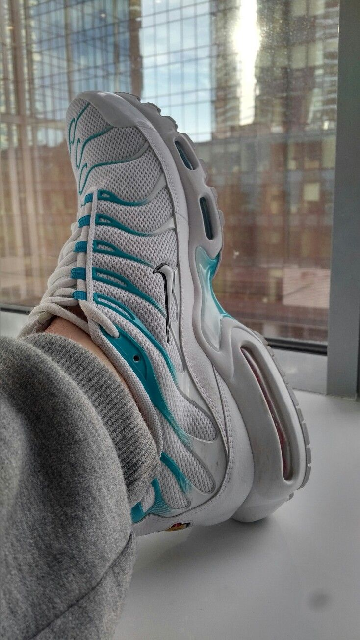 bc86c3b797d87 Nike airmax plus tn white