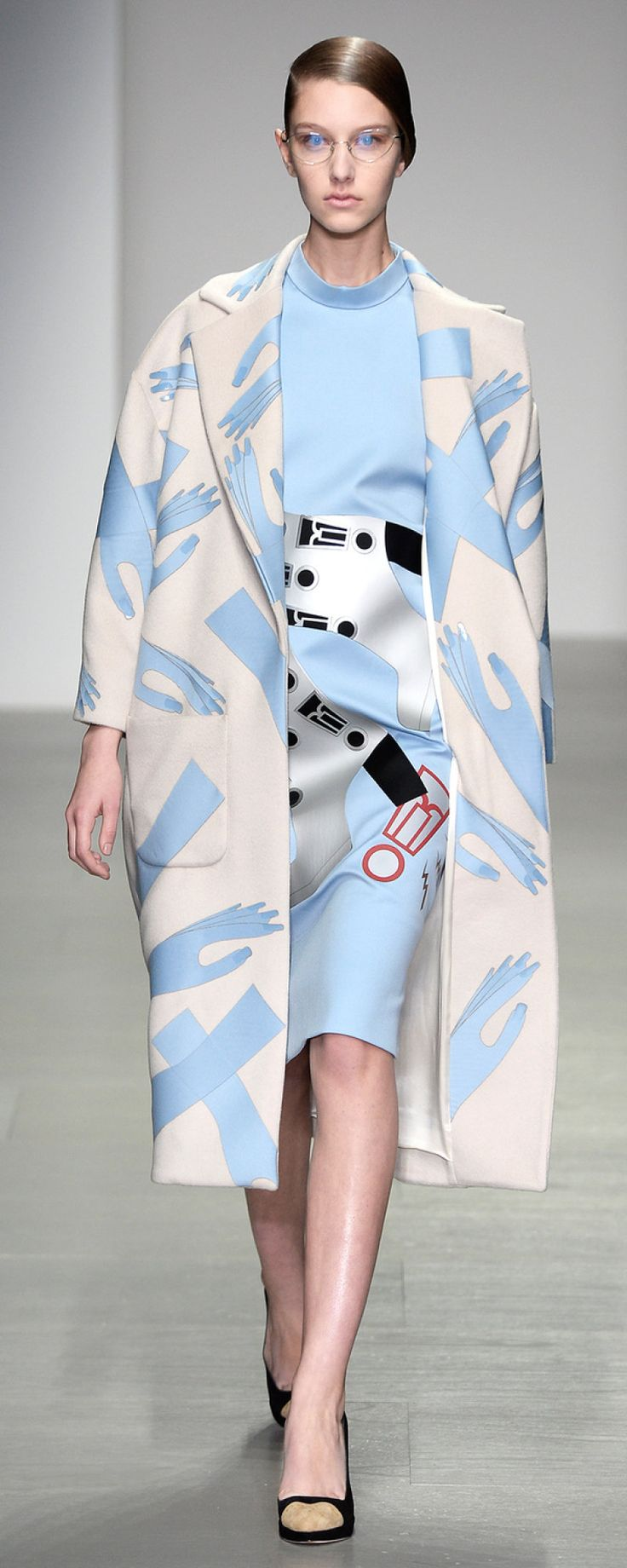 A/W 2014 Coat by Holly Fulton #fashion