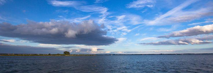 Masurische Seen sind wunderschön!  Masurian Lakes are wonderful! http://masurenrad.de/x.php/1,385/Hausbootcharter.html  #hausboot #polen #urlaub #masuren #masuria #poland #bootsferien #boosturlaub #yachtcharter #motoryacht