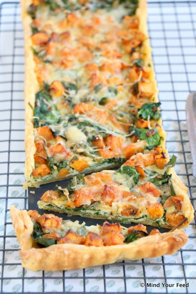 Zoete aardappel spinazie quiche - Mind Your Feed #puffpastry #sweetpotato