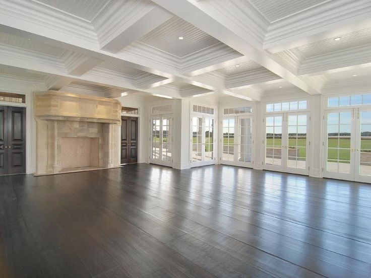 Gorgeous! My dream house/living room. Privacy and and a beatiful private view outside <3