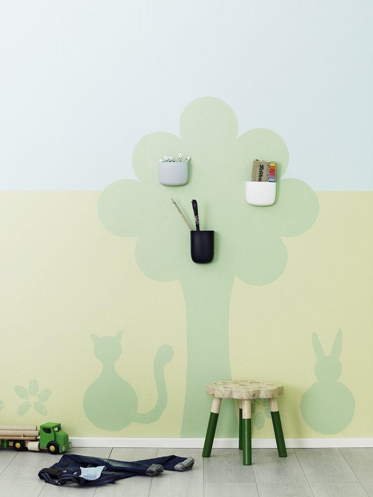 Puun maalaaminen onnistuu lautasta apuna käyttäen.