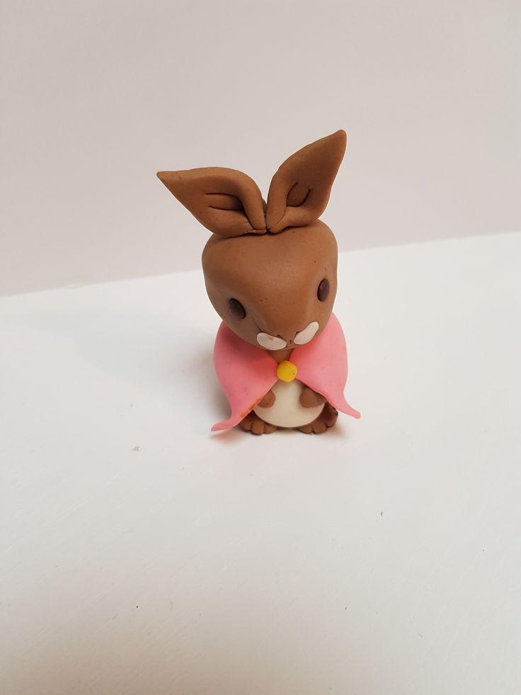 Flopsy Bunny Fondant Cake Topper | Cake toppers, Cake, Fondant