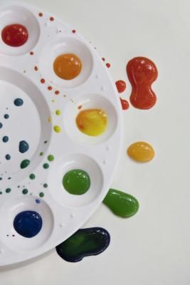 How to Paint on Glass With Enamels