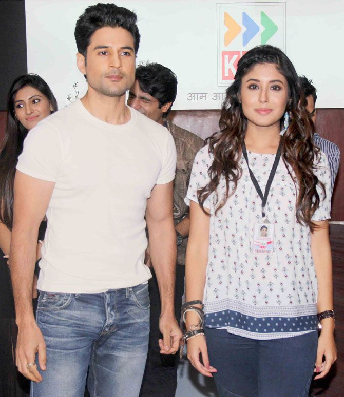 Rajeev Khandelwal and Kritika Kamra at the bash to celebrates TV show 'Reporters' completing 50 episodes. #Bollywood #Fashion #Style #Beauty