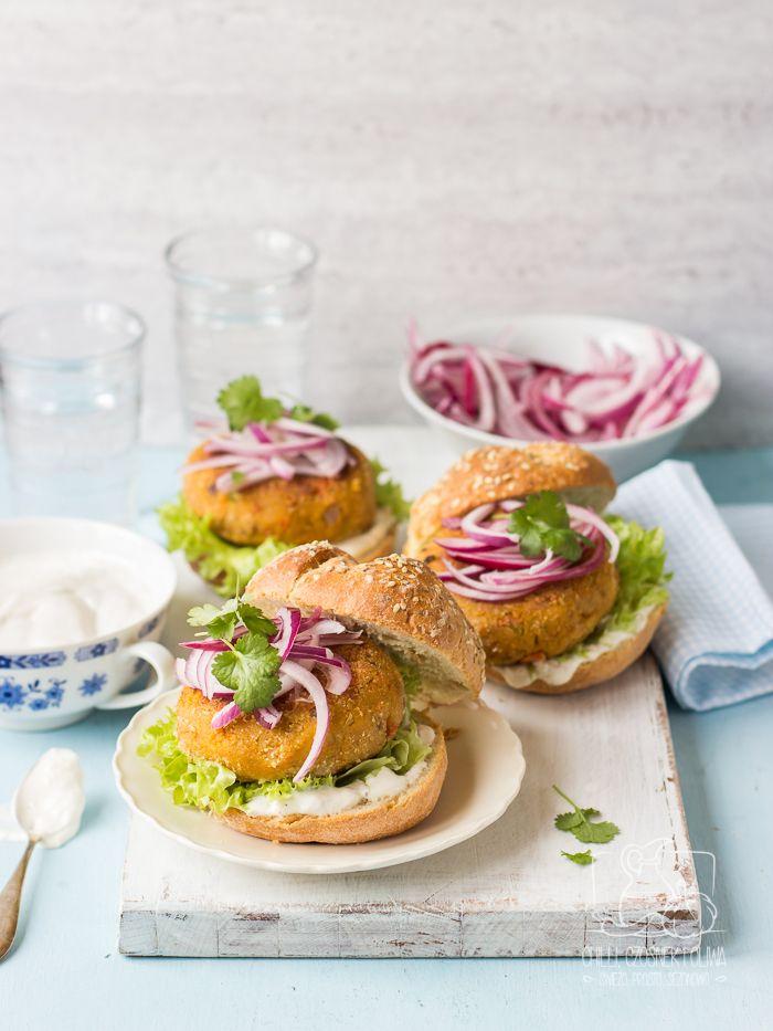 Marokańskie burgery z ciecierzycy i pieczonej marchewki / Chilli, Czosnek i Oliwa Chickpea and carrot moroccan burgers