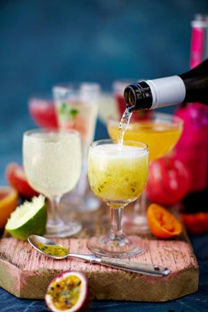 The easiest Prosecco cocktails ever! Mix it up with your favourite fruits, juices and flavour combos