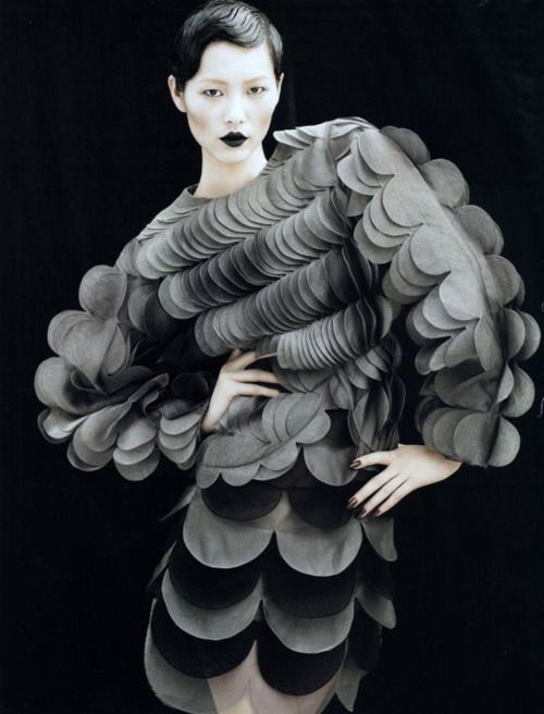 Avante Garde Fashion Couture  ..    Repinned by http://TommyAndersson.com - Visit my Pinterest at http://pinterest.com/tommyandersson/ -  #TommyAndersson