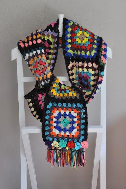 Crochet retro scarf