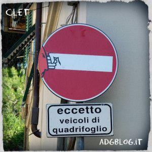 I cartelli stradali di Clet tra ironia, provocazione e riflessione