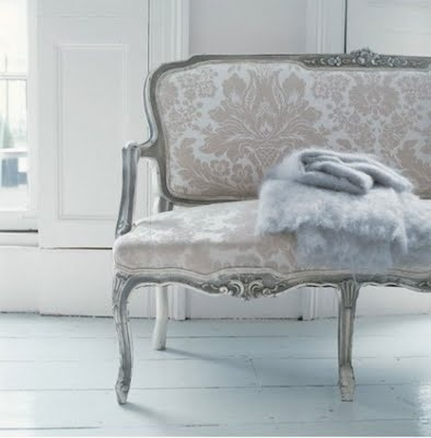 Beautiful settee!