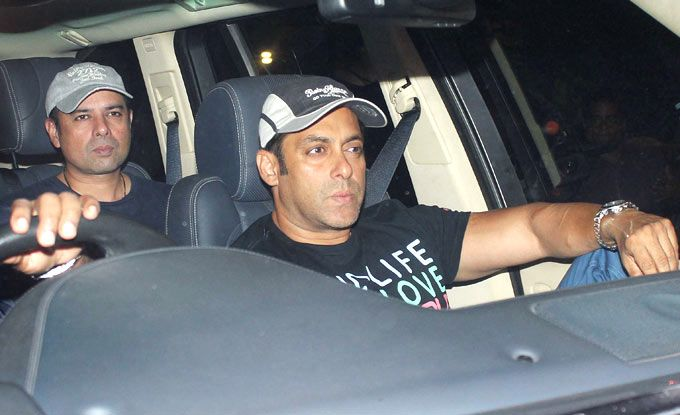 Salman Khan arrives at Sanjay Dutts residence with brother-in-law Atul Agnihotri