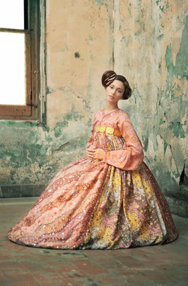 ... dan Corak Tradisional on Pinterest   Kebaya, Batik Dress and Indonesia