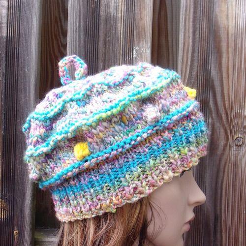https://www.ungrandmarche.fr/boutiques/p/chapeau-bonnet/bonnet-en-laine-femme-en-laine-artisanale/1409223
