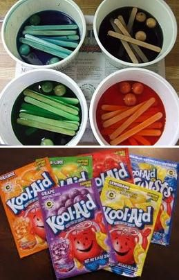 ♥ Pet Bird DIY Ideas ♥ Use unsweetened Kool-Aid powder, water and a little vinegar to safely dye toy parts for your DIY bird toys... Think of all the colors Kool-Aid comes in!!