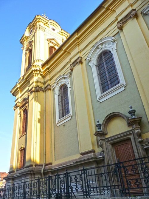 Seitliche Ansicht - Römisch-Katholischer Dom am Vereinigungsplatz (früher Domplatz) Temeswar