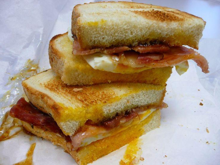 Sandwich cu ou si bacon