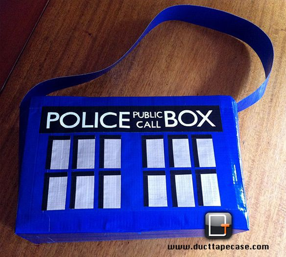Duct Tape TARDIS purse --guess I'm going to buy duct tape for my daughter.