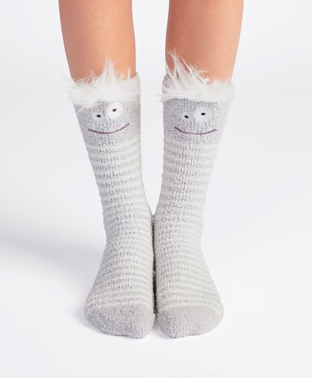 Monster fringe socks, null£ - Fleece socks with non-slip sole - Find more  trends in women fashion at Oysho .