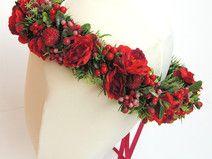 Ślubny wianek do włosów z różami i jagodami