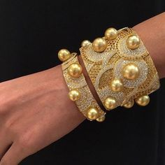 Love Gold... @jewelmer #thisiscouture #Jewelmer