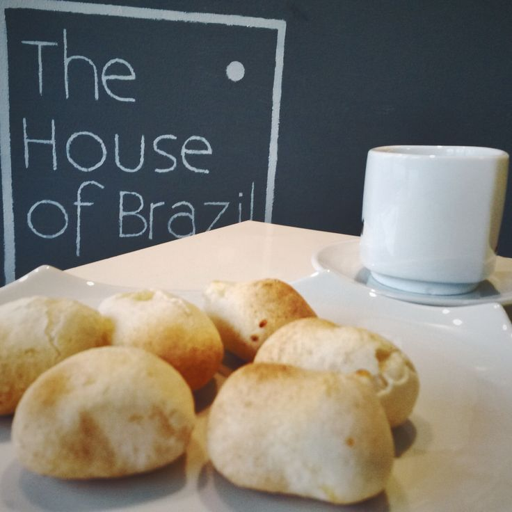 Teplé brazilské bochánky, perfektní zimní snídaně. Warm Brazilian cheese buns, a perfect winter breakfast.