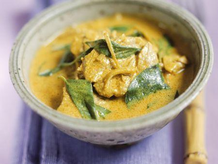 Curry mit Rind und Thai-Basilikum