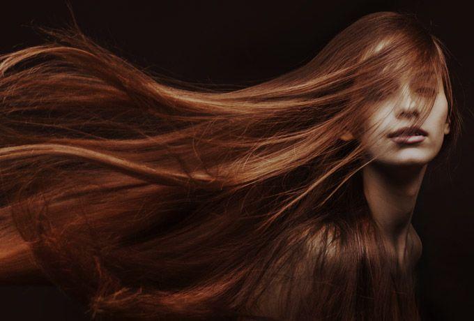 Почему так важно, чтобы у женщины были длинные волосы...Женщина с длинными волосами имеет настолько мощную энергетику, что способна создать обережный круг для своего любимого мужчины, защитить его своей энергетикой от любых бед. Кстати муж получает защиту от жены, когда расчесывает ей волосы. У славян существовала такая традиция.