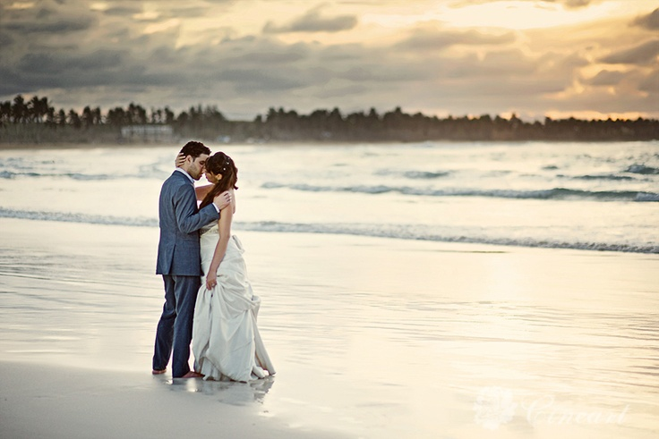 Sunset Day After Session in Punta Cana#destinationwedding #travelingphotographer