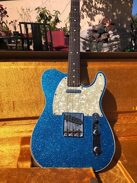 I hate to sell it but unexpected bills came up. I have a Mint Condition Fender Custom Shop Telecaster 1962 Relic Blue Sparkle. I bought it with the intention of having it for my collection( To many guitars) but I rather have someone to take this one home. They go for $3600 new so your getting an ...