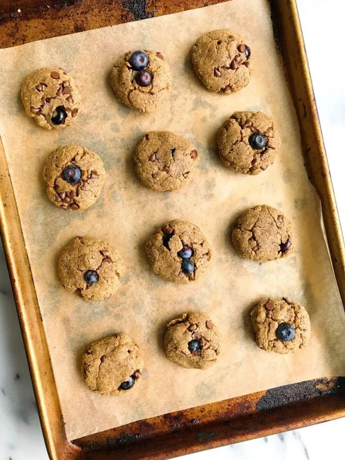 Blueberry Chocolate Chip Breakfast Protein Cookies Recipe | ALOHA
