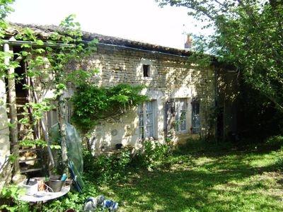Stone house near Sauze-Vaussais | Property for sale in 79-Deux-Sevres | 49269