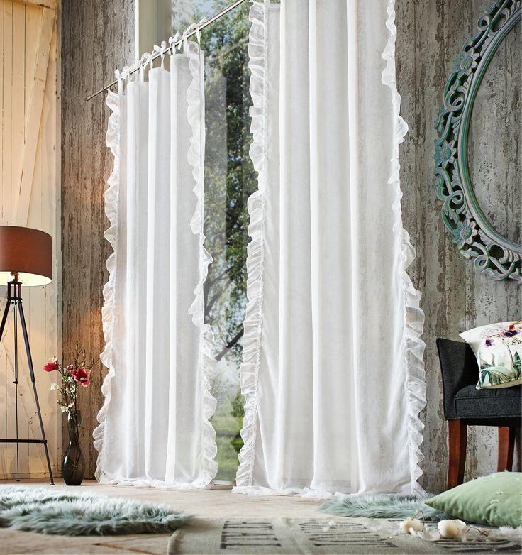 Verzaubert und verwünscht: Dieser märchenhafte Vorhang mit Rüschen an den Rändern verleiht deinem Landhaus einen ganz besonderen Stil