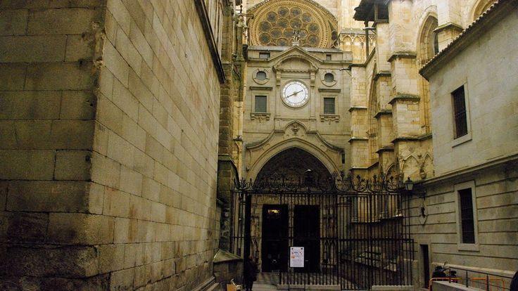 Fotos de: Toledo - Catedral - Puerta del Reloj (XLVIII)