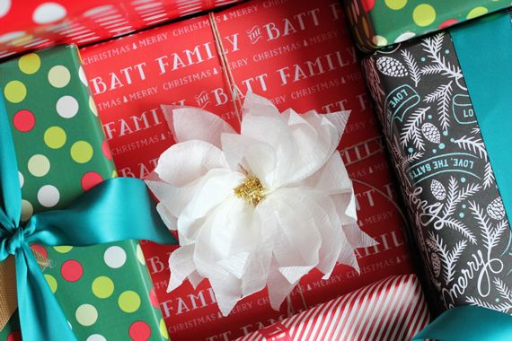 DIY+Crepe+Paper+Poinsettia+Gift+Toppers+by+Jenny+Batt+for+Julep