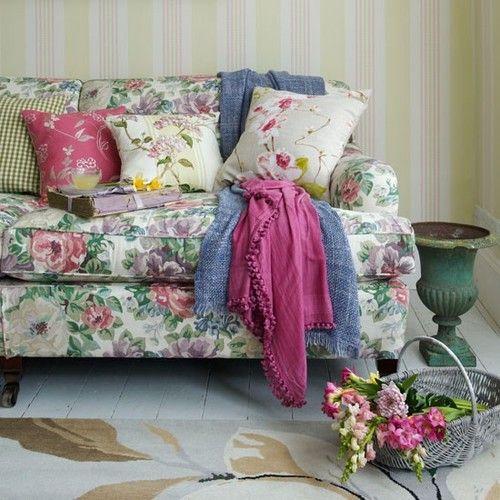 Bedroom Design New Italian Bedroom Furniture Uk Design Of Master Bedroom Bedroom Accent Wallpaper: 17 Best Ideas About Floral Couch On Pinterest