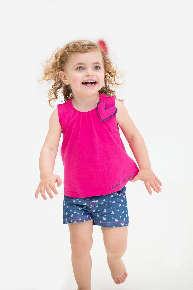 Ben je op zoek naar een speelse en aangename outfit voor u kleine meid ? Dan is deze set van Agatha ruiz de la prada echt iets voor u. Verkrijgbaar 24 en 36 maand.
